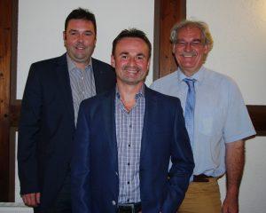 Ortsverbandsvorsitzender Magnus Alt und Bürgermeister Andreas Nickel freuen sich über die Nominierung des Genossen Michael Goßmann